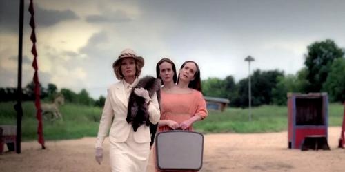 american-horror-story-freak-show-else-twins